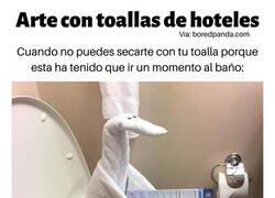 Enlace a Arte con toallas de hoteles