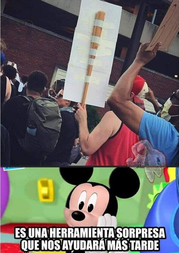 bate,cartel,herramienta,manifestación,micjey mouse,protestas