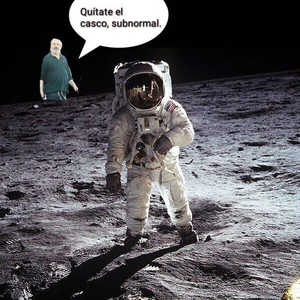 astronauta,casco,luna,mascarillas,Miguel Bosé