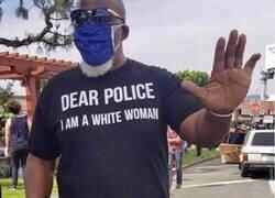 Enlace a Sí... una mujer blanca...