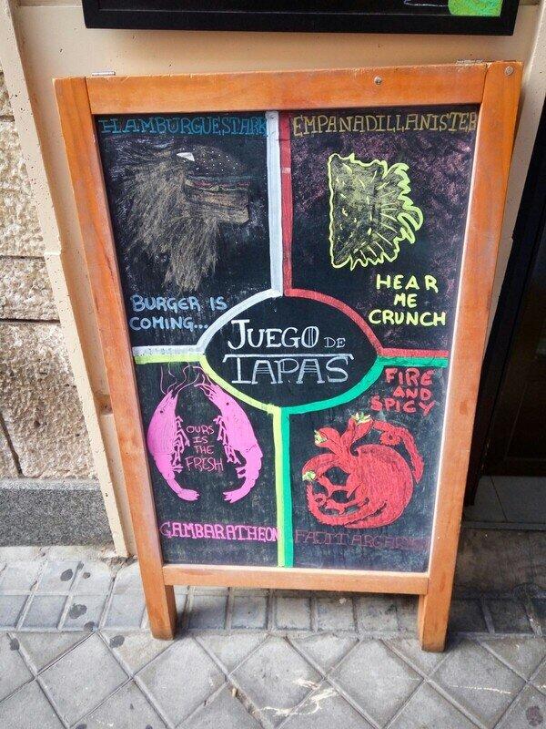 Meme_otros - Mientras tanto, en un bar de Madrid...