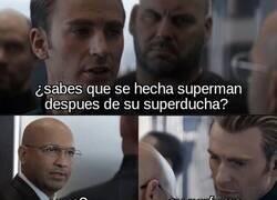Enlace a Se lo contó en una reunión de superhéroes