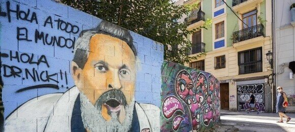 19365 - Graffiti en honor a Miguel Bosé