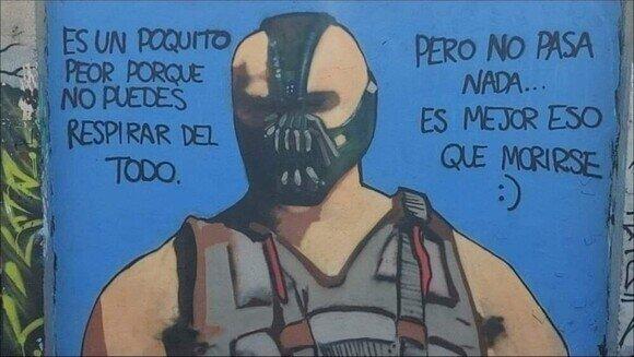 19827 - Bane está curtido en eso de llevar mascarilla