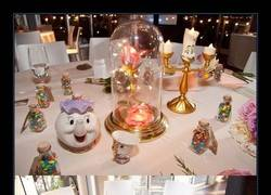 Enlace a Cada mesa de esta boda fue inspirada por una película de Disney
