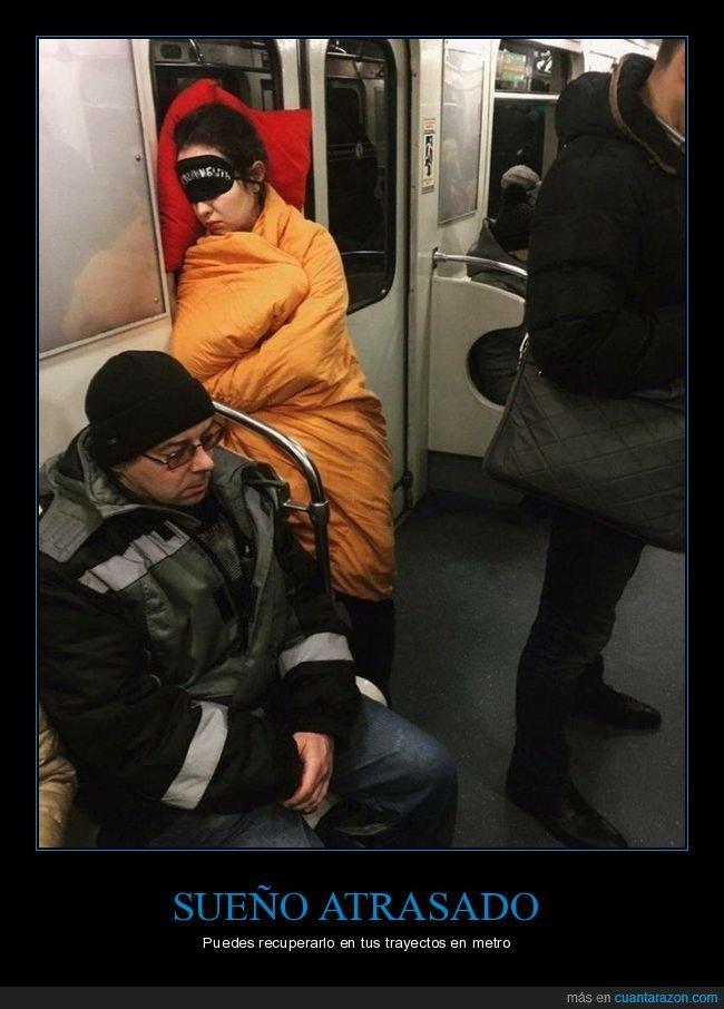 durmiendo,metro,wtf