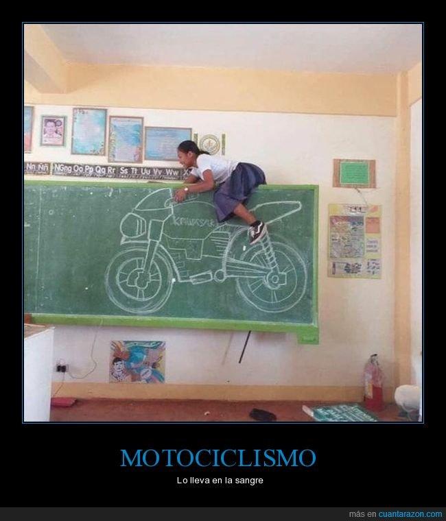 clase,dibujada,moto,pizarra