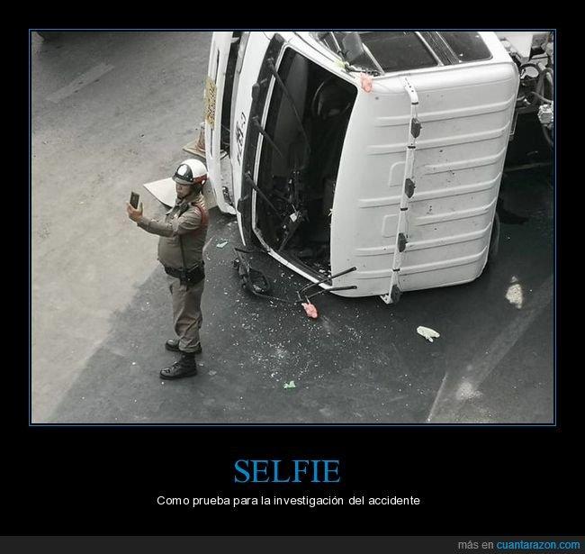 accidente,camión,policía,selfie,volcado