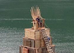 Enlace a El trono de hierro pero de madera