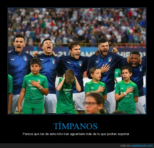 fútbol,gritando,niño,oídos