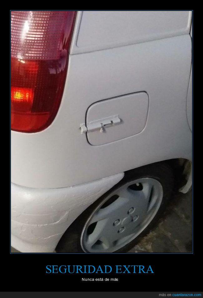 coche,depósito de gasolina,pestillo,seguridad,wtf