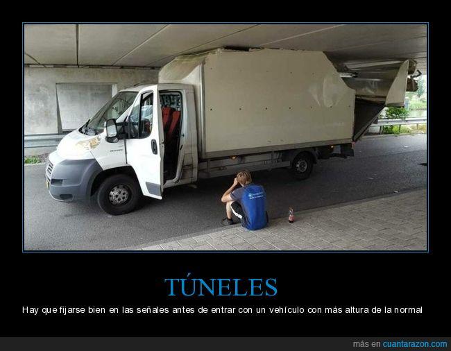 camión,fails,túnel
