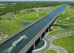 Enlace a El puente-canal del Sart