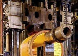 Enlace a El forjado de la vasija de un reactor nuclear en Le Creusot, Francia