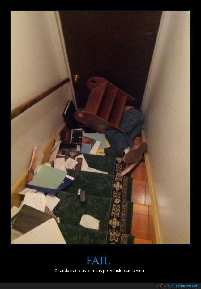 escaleras,estantería,fails