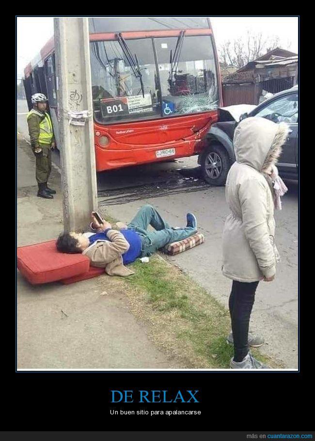 accidente,autobús,coche,tumbaado,wtf