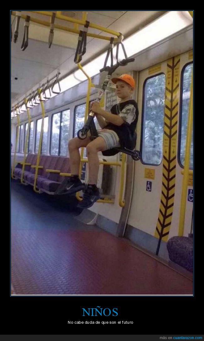 autobús,colgado,niño,patinete,sentado,wtf
