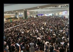 Enlace a Mientras tanto, en Hong Kong...