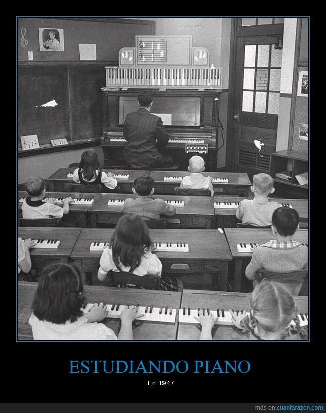 1947,estudiando,piano,retro