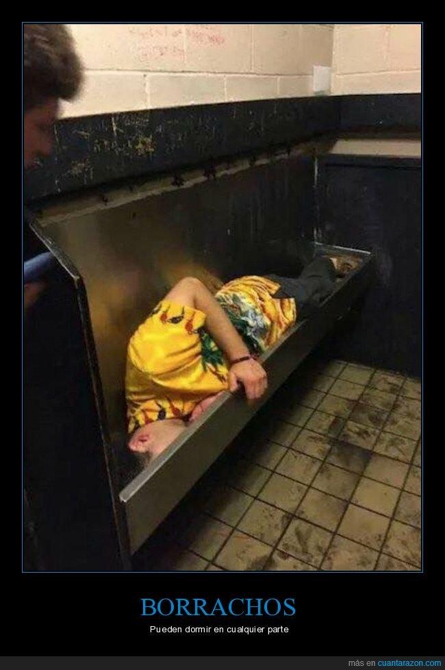 asco,aseo,borracho,durmiendo,urinarios,wtf