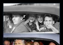Enlace a Dos fotos con 50 años de diferencia