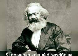Enlace a Marx te enseña a desenroscar un tornillo