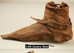 Enlace a Y tú que pensabas que tus zapatillas estaban viejas...