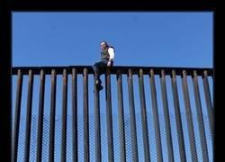 Enlace a El absurdo muro de la vergüenza