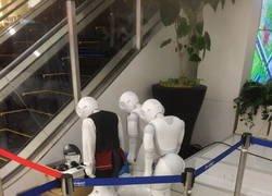 Enlace a Robots tristes
