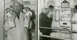 Enlace a Este falso médico a principios del siglo xx usó bebés prematuros para entretener a la gente y salvó 6,500 vidas