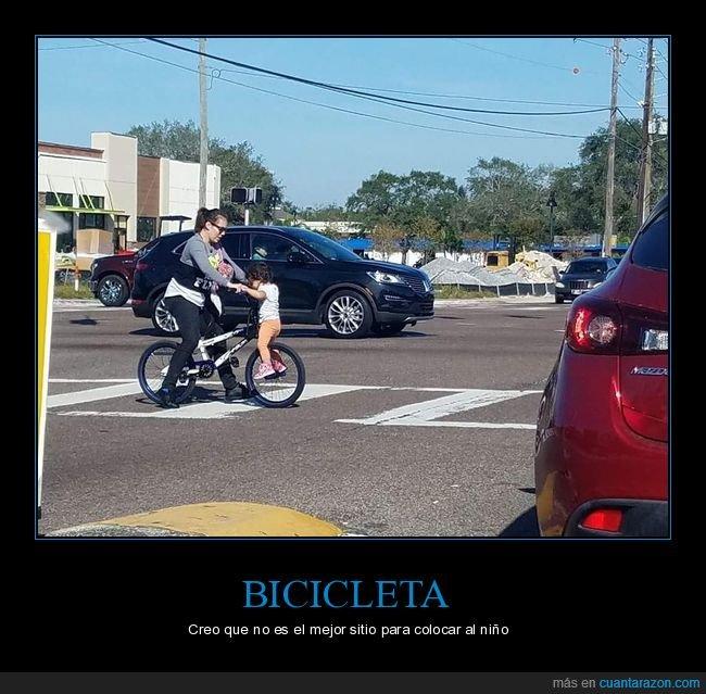 bicicleta,hijo,madre,madre del año,padres del año,rueda