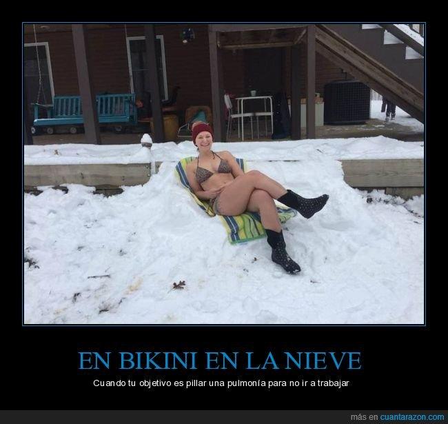 bikini,nieve,wtf