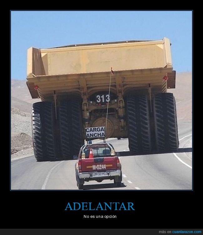 camión,carretera,coche,gigante