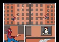 Enlace a Spiderman no mira donde apunta