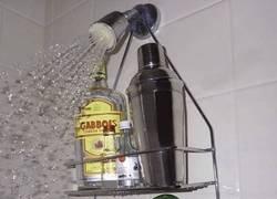 Enlace a Empezando la fiesta en la ducha
