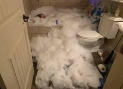 Enlace a Un baño de burbujas que se salió de control