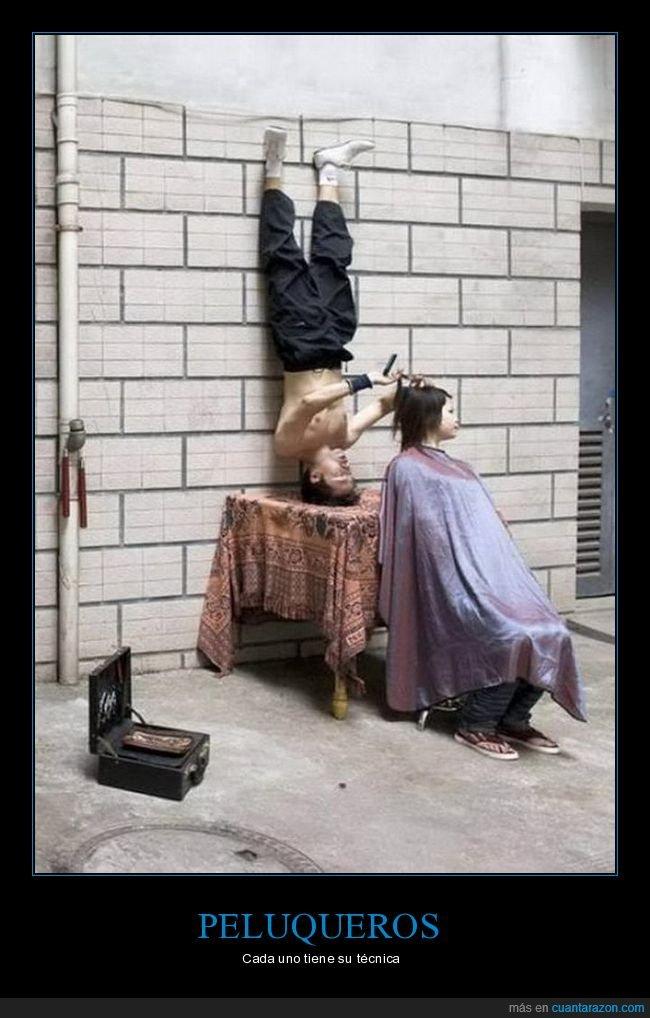 bocabajo,cortando el pelo,peluquero