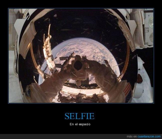 astronauta,espacio,selfie