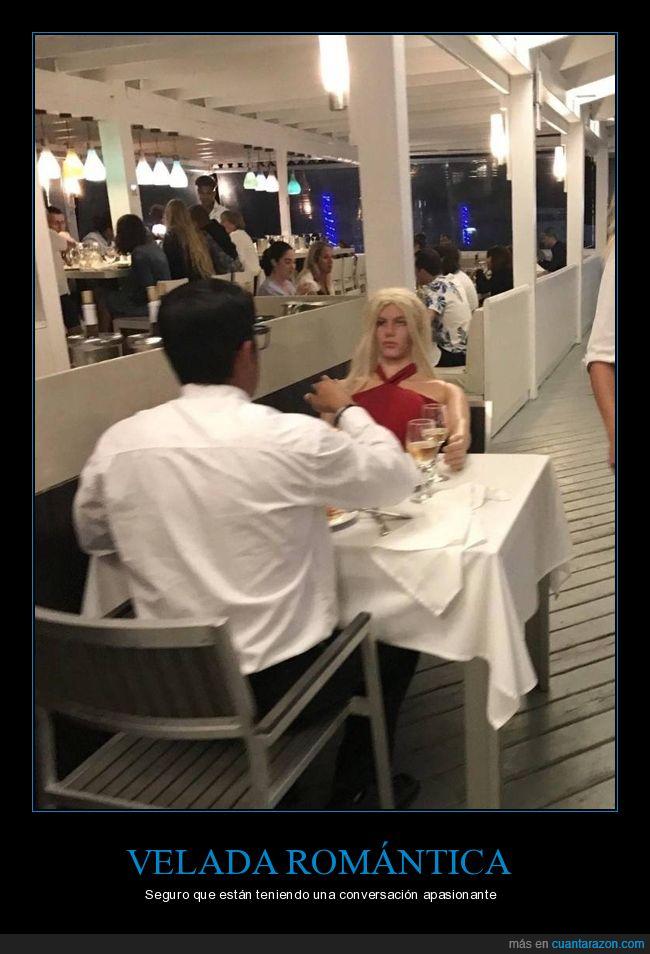 cita,muñeca,pareja,restaurante,wtf