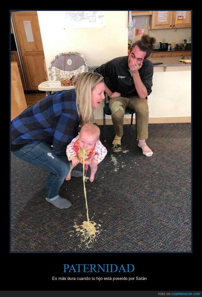 bebé,bomitando,padres,wtf