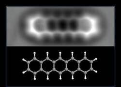 Enlace a La estructura química de una molécula con una resolución atómica