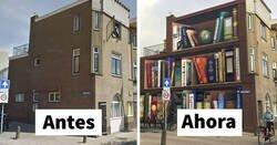 Enlace a Estos artistas holandeses pintaron una librería gigante en la pared de un edificio, con los libros favoritos de los residentes