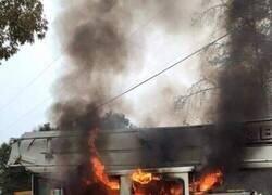 Enlace a Si crees que estás teniendo un mal día en el trabajo piensa en estos bomberos