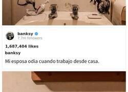 """Enlace a """"Mi mujer odia cuando trabajo desde casa"""", Banksy revela su última obra en Instagram"""