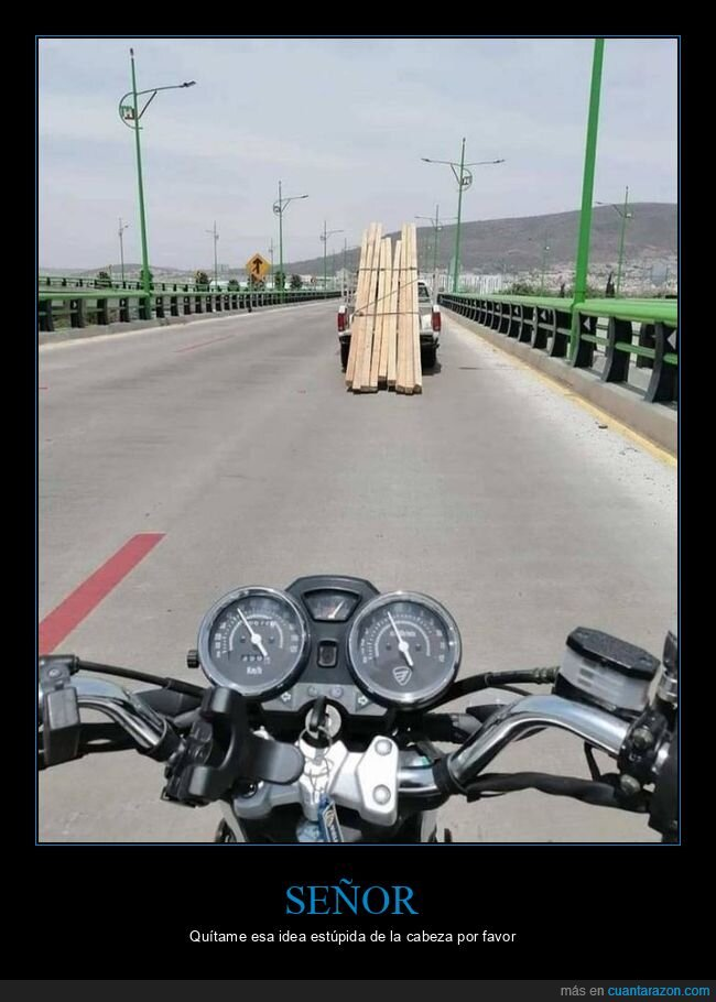 camioneta,moto,rampa