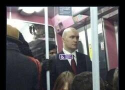 Enlace a Hitman en el metro