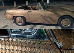 Enlace a Este coche está cubierto de monedas por valor de $176