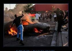 Enlace a Protestas raciales tras la muerte de un afroamericano a manos de la policía