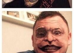Enlace a Cuando usas la aplicación Face Swap con tu tatuaje