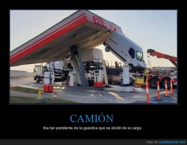 camión,fails,gasolinera